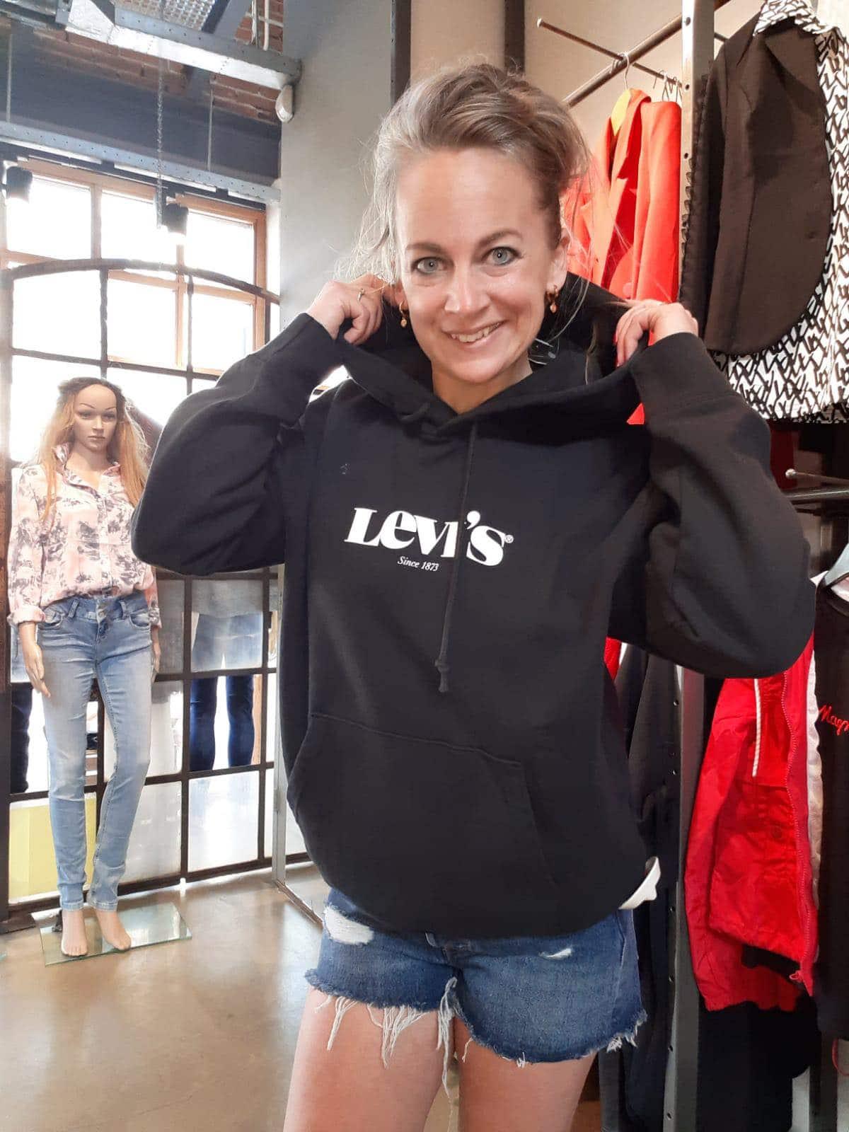 LEVI'S Sweater – 1848700040 – ZWART
